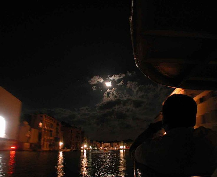 VENEZIA magia della notte sul CanalGrande / Ph by Lauro Ghedini 2004
