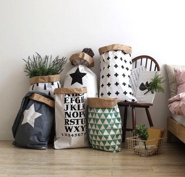 Geometric paper bag storage, Storage Bin, Storage Basket, Toy Storage par gridastudio sur Etsy https://www.etsy.com/fr/listing/244407139/geometric-paper-bag-storage-storage-bin