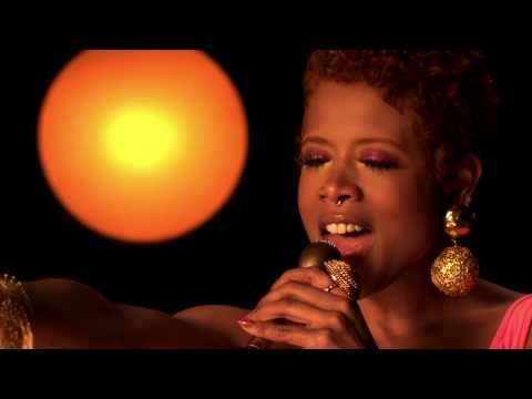 Music video by Kelis performing 4th Of July (Fireworks). (C) 2010 will.i.am Music Group / Interscope Records