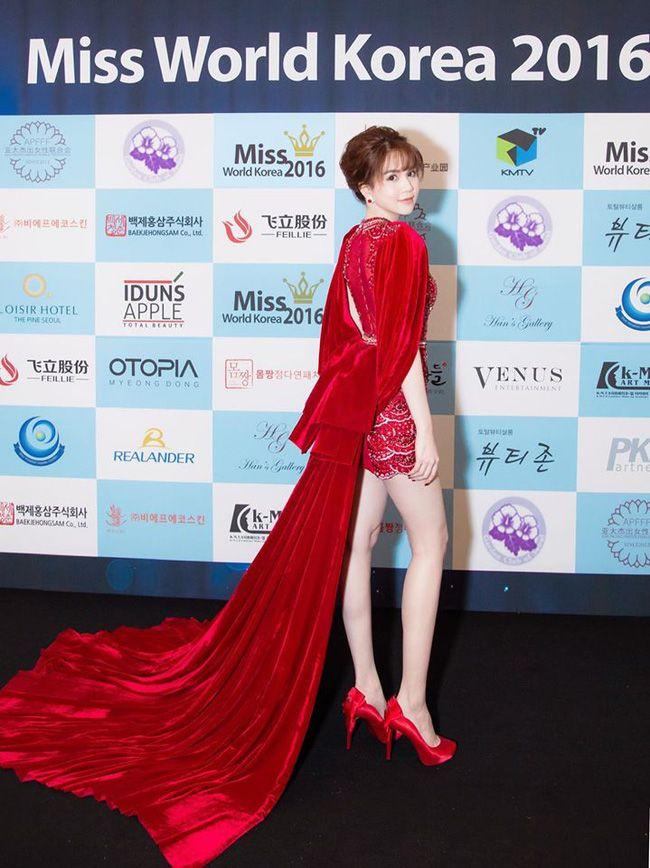 Hari Won mặc lại chiếc đầm đỏ quyến rũ mà Ngọc Trinh khiến tỷ phú Hoàng Kiều si mê! - Ảnh 5.