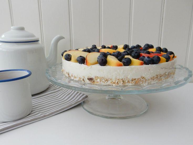 Gezonde taart met ricotta, appeltjes en blauwe bessen | no bake cheesecake with apple and blueberry