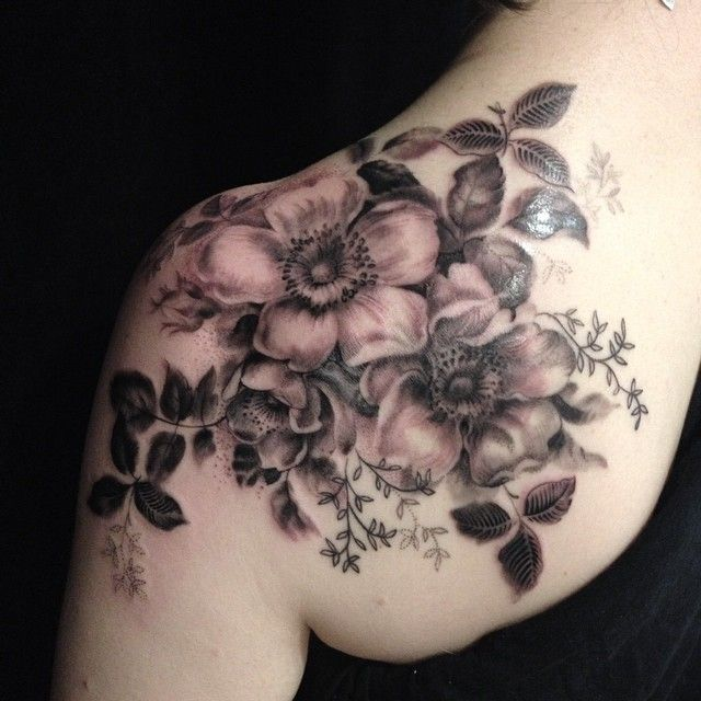 esther garcia | floral | shoulder | ink | tattoo
