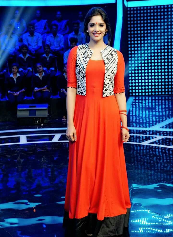Nyla Usha | Mollywood actress | colour combo | jacket | mtwit | Mazhavilmanorama