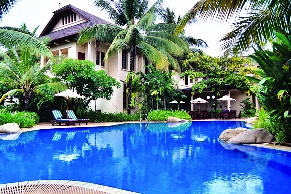36 best settha palace hotel images on pinterest palace - Settha palace hotel swimming pool ...