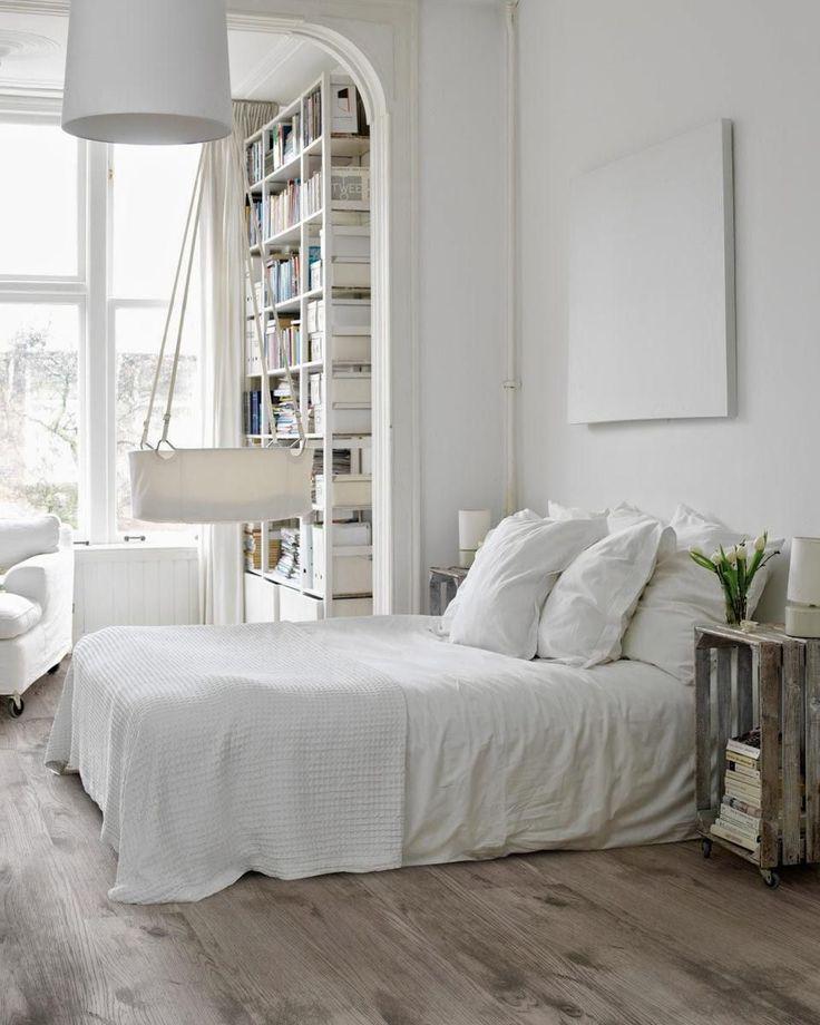 60+ идей интерьера белой спальни: элегантная роскошь (фото) http://happymodern.ru/belaya-spalnja/ Обволакивающий уютом интерьер спальни в белых тонах