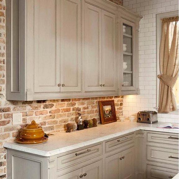 35 Top Tips Of White Subway Tile Kitchen Backsplash Farmhouse Back Splashes Apikhome Com Brick Kitchen Antique White Kitchen Cabinets Exposed Brick Kitchen