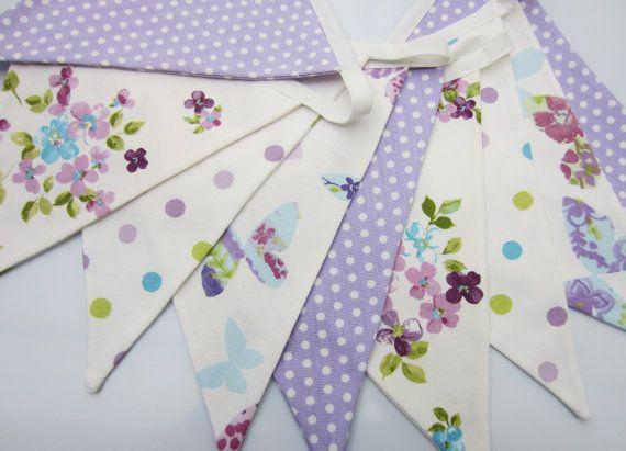 Tessuto della stamina Shabby Chic, matrimonio Bunting, Lilla, malva, viola, bianco, fiori, farfalle, punti 12 bandiere parteggiate doppie