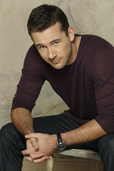 Barry Sloane : Aiden Mathis on Revenge.. yummy!
