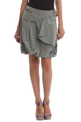 Desigual women's Perla bubble skirt with embroidered detailing. Side zip fastening.
