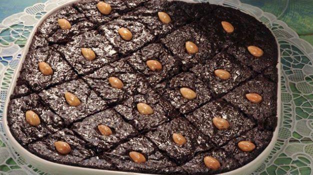 Ραβανί σιροπιαστό με σοκολάτα και ινδοκάρυδο