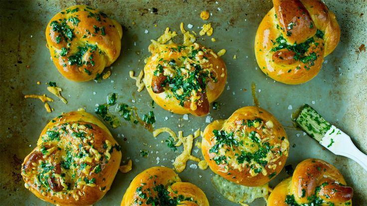 Osteknuter med persille og hvitløksmør