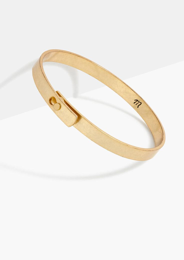 Madewell Glider Bangle Bracelet, a simple gold bangle perfect for everday.