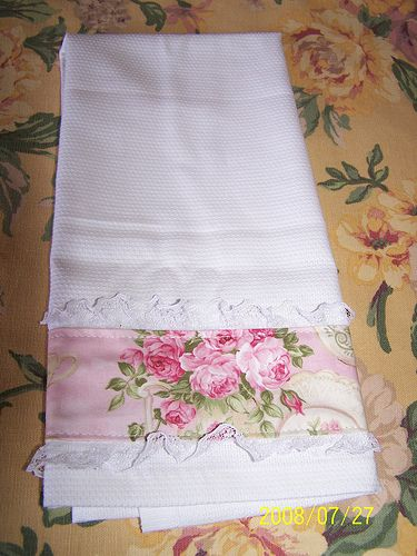 Simple trimmed hand towel - no tute