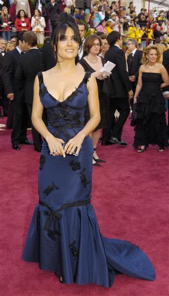 Salma Hayek arrives for the Academy Awards on Feb. 27, 2005, in Los Angeles.