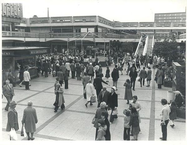 Merseyway shopping precinct. Oct. 27, 1977