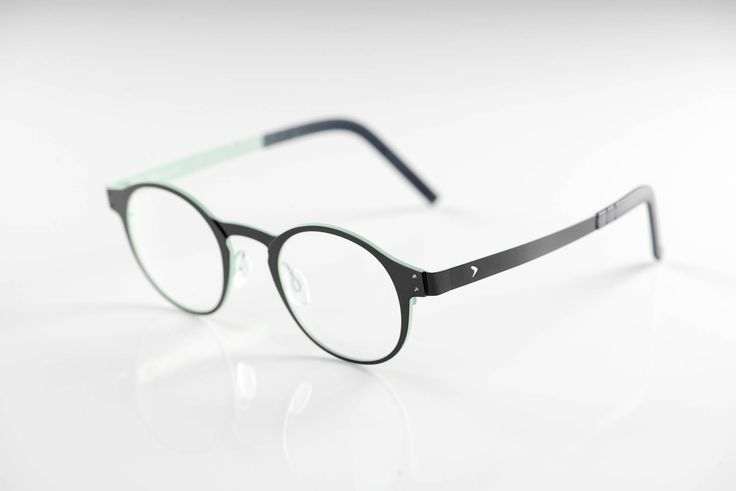 occhiali da vista Blackfin BF671 ARRIGO - collezione A. CIPRIANI. Montatura in puro titanio, stile tutto italiano