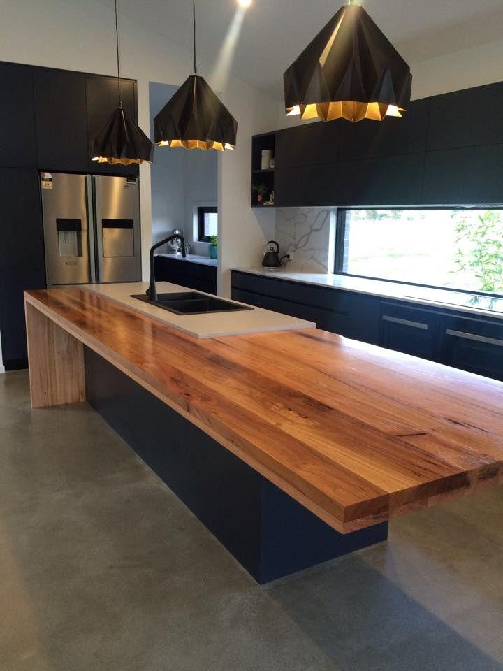 Prachtig houten keuken blad! Hier worden wij als houtliefhebbers echt verliefd op!