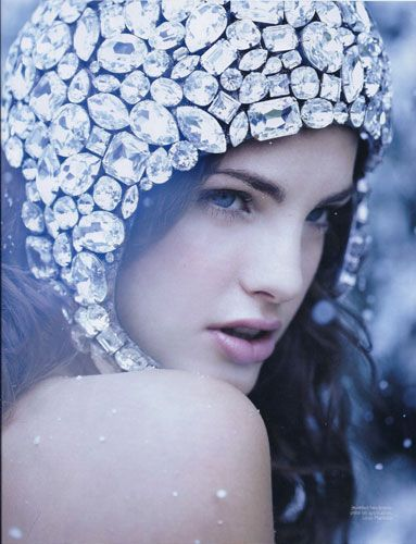 Louis Mariette jewel headpiece (photo courtesy of You and Your Wedding)