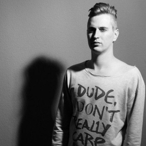 Robin Schulz (April 28, 1987) German dj and producer, o.a. known from the remix of the song 'Prayer in C' by Lily Wood & The Prick from 2014..