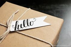 Free Printable Calligraphic Flag Tags @mintedstrawberryblogspot.com #calligraphy #tag #gift