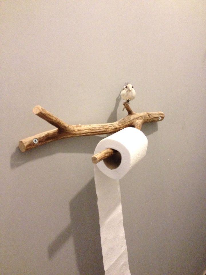 Toiletrolhouder van oude tak