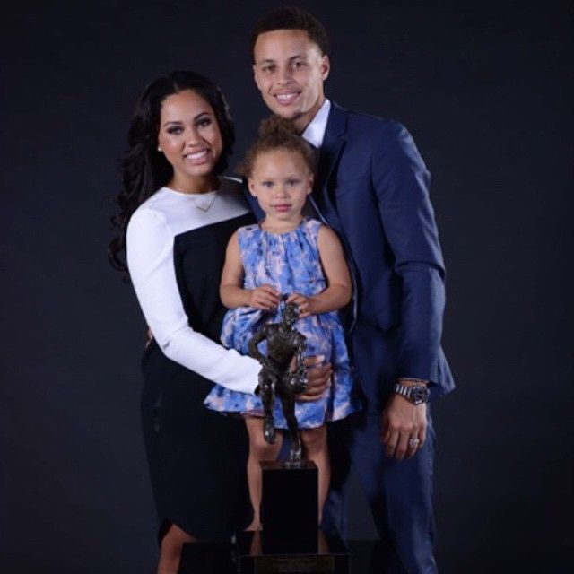 ROUNDUP: Stephen Curry & Wife Ayesha Welcome New Baby, More ...