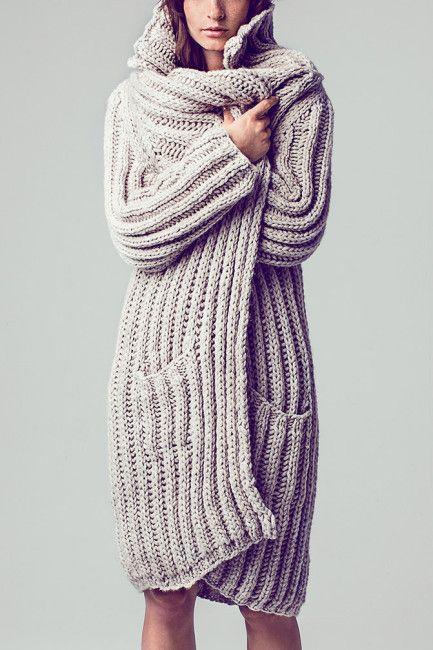 Chunky beige ribbed raglan coat w/ big cowl FREE knitting pattern in German (1/3) (hva)