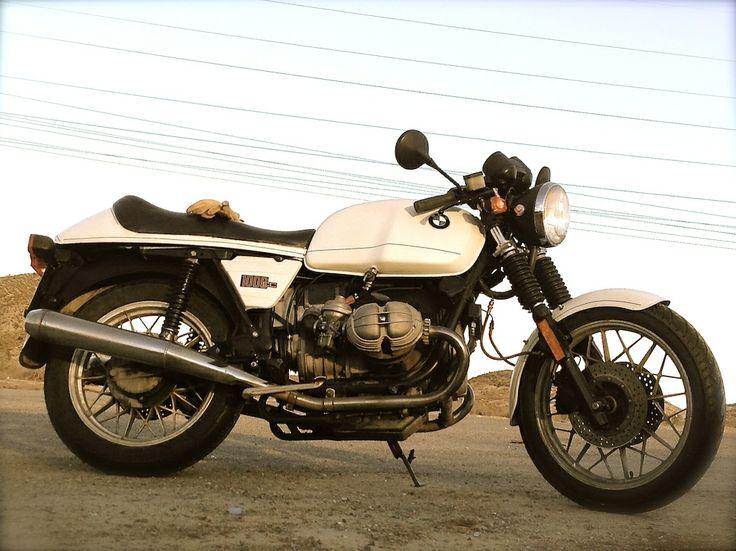 R 100 RS desnudada