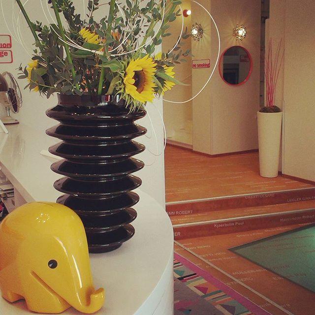 #Fresh #flowers make this #morning in #hotelsax brighter than ever! ☀ #goodmorning #bouquet #decor #design #vintage #vintagestyle #elephant #lobby #reception #hotel #praguehotels #Prague #czechrepublic