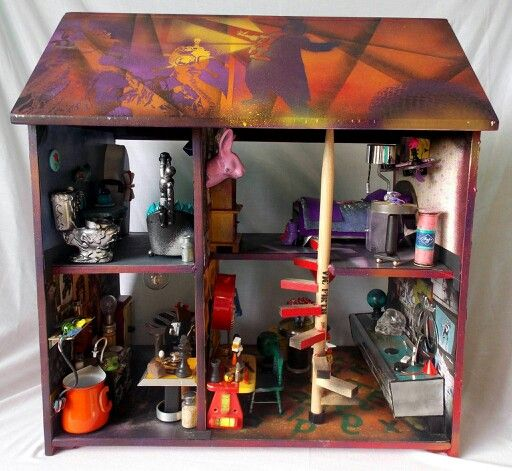 Did a proper photoshoot with the graffiti house this is one side and you can easily the fantastical pink rabbit  #Midas #DollHouses #MidasDollHouses