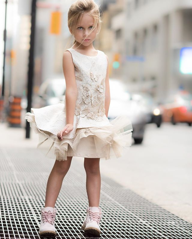 Having Marilyn Monroe moment 💃🏻 Stunning dress @soapbox_kids @lofficielenfant  #toronto #photography #soapbox #lofficielenfant