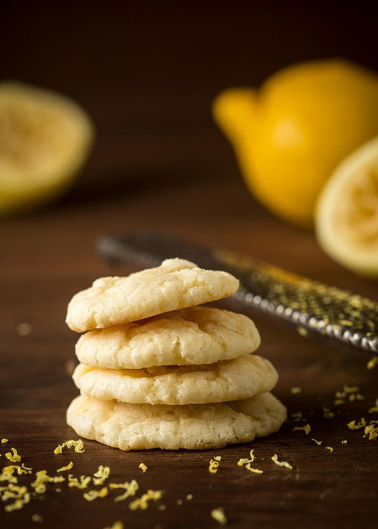I'm looking for a summer gift-this might make a nice baked one! Lemon Crinkles, for the Great Food Blogger Cookie Swap on Fridgg.com