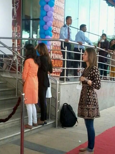 More photos of Kareena Kapoor Khan and Imran Khan on the sets of Gori Tere Pyaar Mein | PINKVILLA