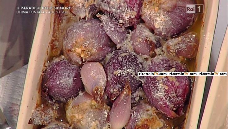 """La ricetta delle cipolle ripiene di salsiccia grana ed erbe di Sergio Barzetti del 26 gennaio 2016, a """"La prova del cuoco"""""""