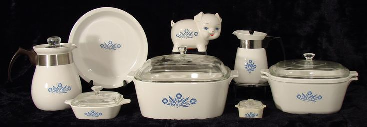 BlueCornflower.com, the showcase for a personal collection of Corning Ware.