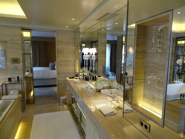 The Ultimate Bathroom Resides at The Four Seasons George V Paris || HotelChatter