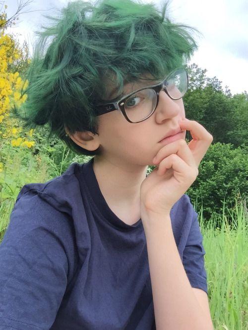 Kurzes mädchen aus tallk girl queer