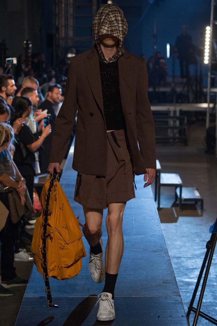 Raf Simons Spring 2016 Menswear Fashion Show