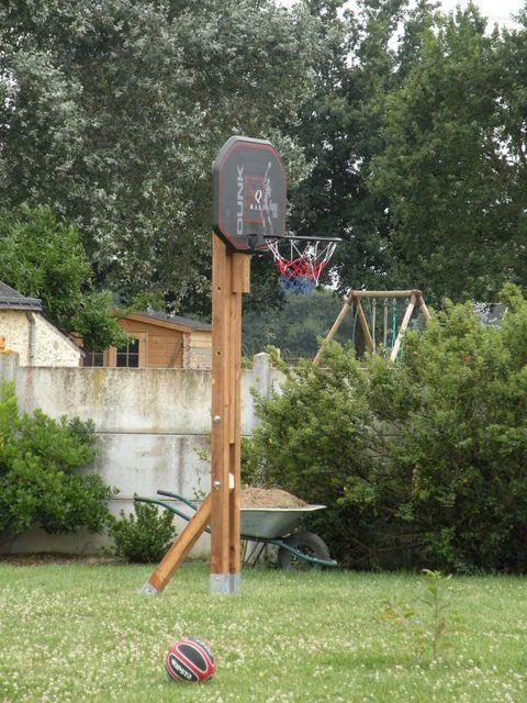 Poteau réglable pour panier de basket-ball ...