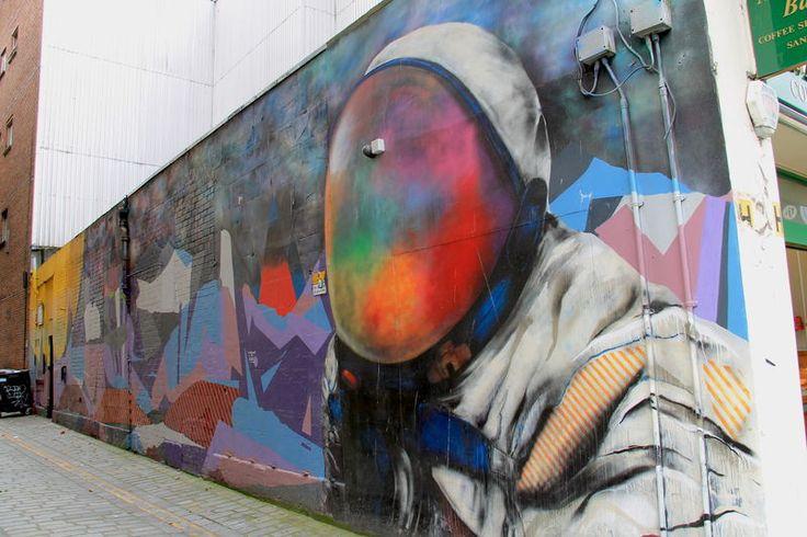 """Street Art Glasgow - """"Space Man"""", autor: Recoat & Ali Wyllie"""