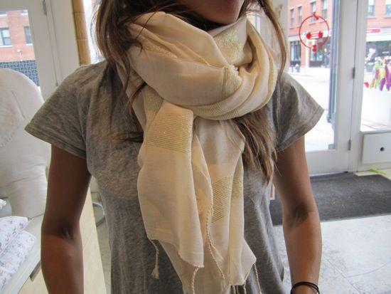 what to wear easy style for moms.via Momfilter blog