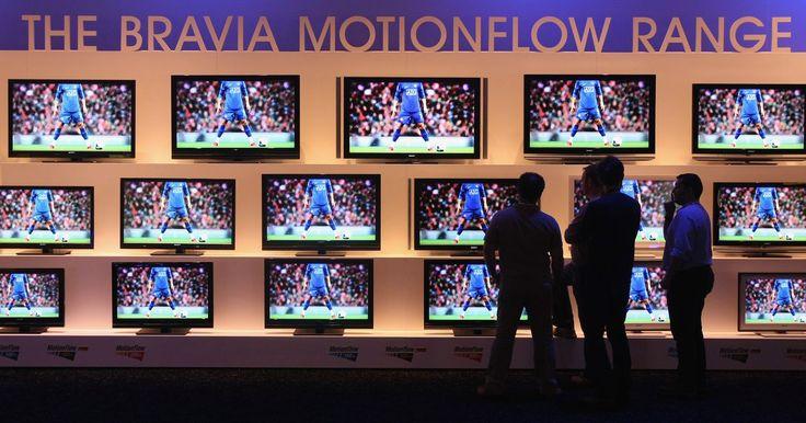 ¿Por qué se obscurece la imagen de mi Sony Bravia?. BRAVIA es la marca de la linea Sony de pantallas de cristal líquido de alta definición, o LCD. El nombre por sí mismo --BRAVIA-- es de hecho un acrónimo de Best Resolution Audio Video Integrated Architecture (arquitectura integrada de mejor resolución, audio y video). Dado que la tecnología LCD es transmisiva, todas las televisiones BRAVIA ...