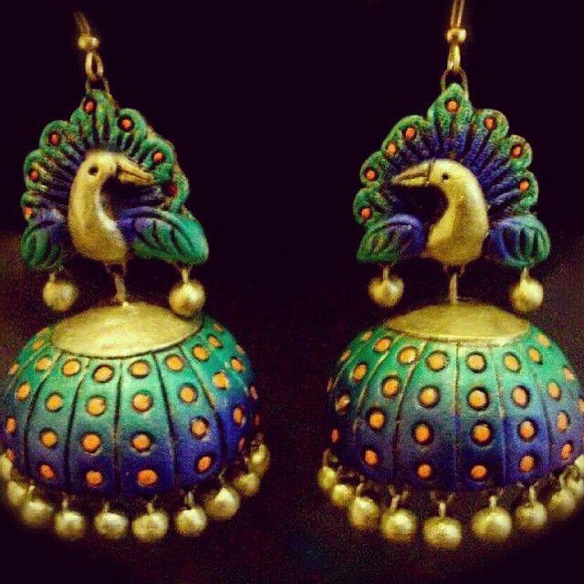 Terracotta #jhumka #southindiajewels #jewelry #templejewelry #goldjewelry #jewelrydesigns #gold #designs #fashion #traditional #fashionjewelry #kempjewelry #tamil #tamilbride #bridaljewelry