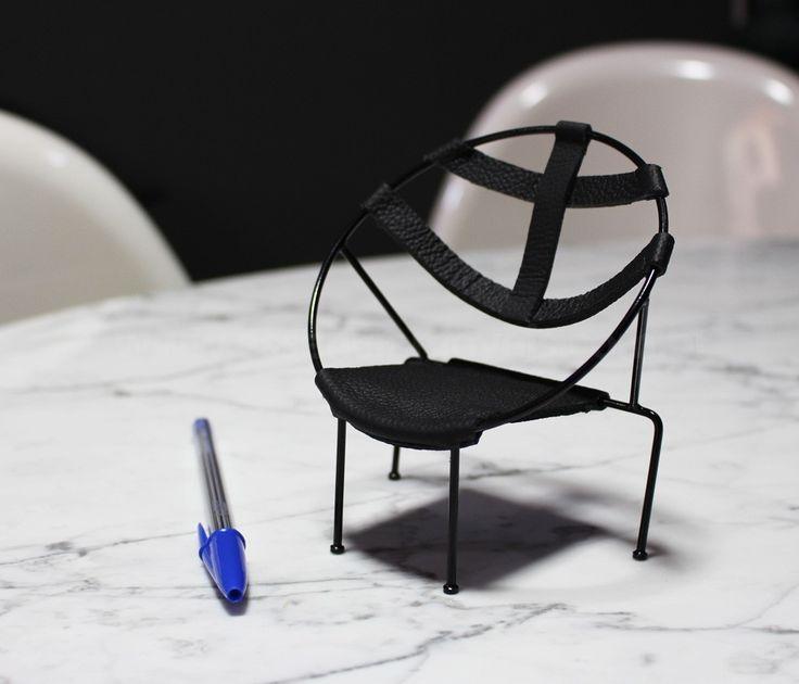 Miniatura Flávio de Carvalho, um clássico do design moderno.