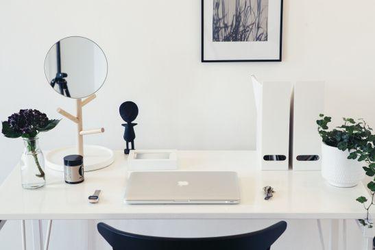 skrivbord spegel konst apple