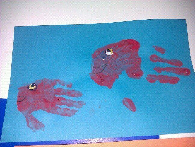 mama en kind vis handprint art handafdruk