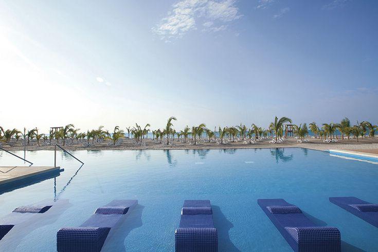Hotel Riu Playa Blanca - Outdoor pool - All Inclusive Beach Hotel in Panama - RIU Hotels & Resorts