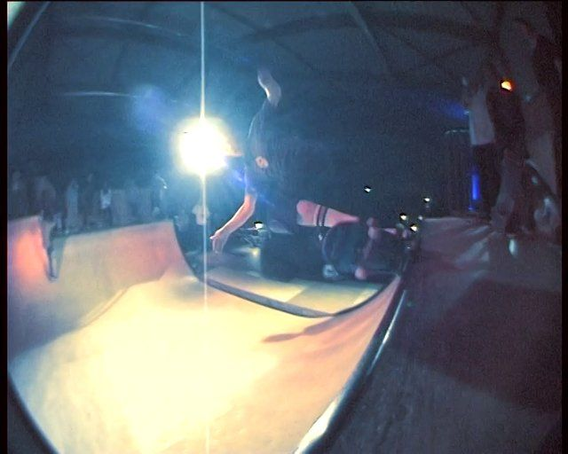 The Extended Madness was an awesome night with warm food, cold beers, loud music and radical transitions ripping.  Skaters from all over Switzerland were killing the Cash for Tricks Session while the Destroyer Band (part Zigitros part Fai Baba) extended the madness with a live concert right in front of the miniramp.