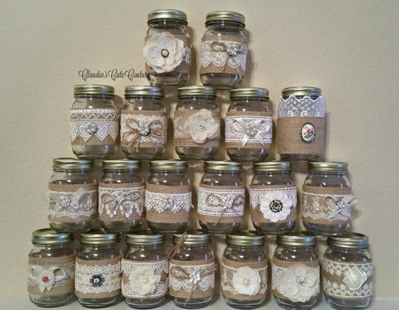 Burlap Mason jar, Rustic wedding, Country wedding, Mason jar, Wedding centerpiece, Rustic mason jar, Wedding decor, Mason jar decor  Mason jars....$ 7,00 each I can also add a tag with names and date for an extra $ 0,45 each ( all colors of script available ) I will use Edwardian curly vintage script   This are pint size ~~~~~16 oz ~~~~  Perfect for wedding centerpiece, gift , candle holders, favor wedding / party jars  Rustic, elegant, Edwardian, shabby chic  For big order please allow ...