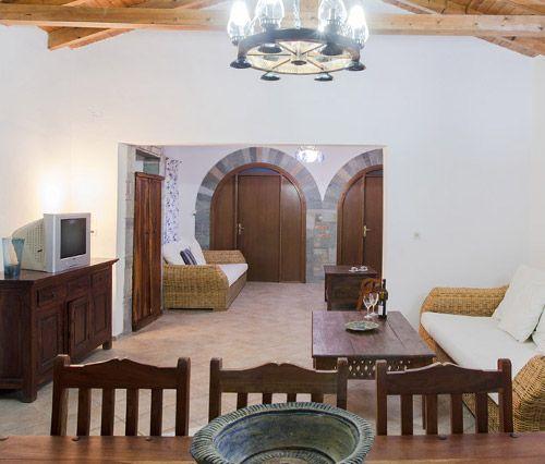 Sterlitsia living room